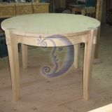 Apvalus medinis stalas