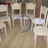 Medinės kėdės