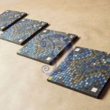 Melsvi mozaikos padėkliukai