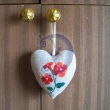 Širdelė su raudona gėlyte