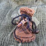 Mažas rusvas maišelis svarbiems daikteli