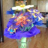 Gėlių puokštė su angeliuku