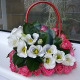 gyvų rožių rankinukas