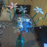 Spalvotų gėlių puokštė