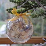 Eglutės žaisliukas - burbulas