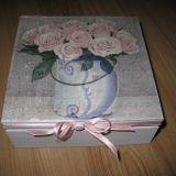 Vintažinė dėžutė ROŽĖS