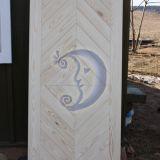 Grazios senovinio stiliaus medines durys