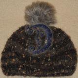 Kepurė su kailiniu bumbulu