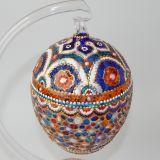 Stiklinis velykinis kiaušinis su stovu