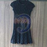 suknele su karoliukais