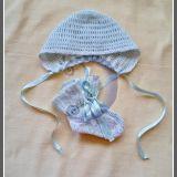 kepurė + kojinės