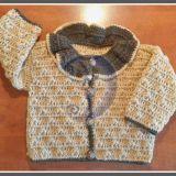 Karamelinės spalvos megztinis