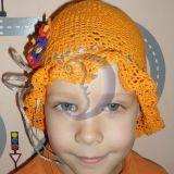 Oranžinė kepurytė