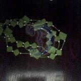 žali karoliai