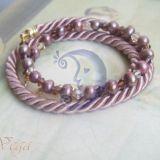 Rausva su upiniais perlais, virvele