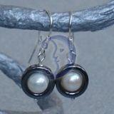 Hematitas su perlais