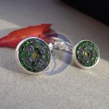 Žali su juodu mozaikos auskarai